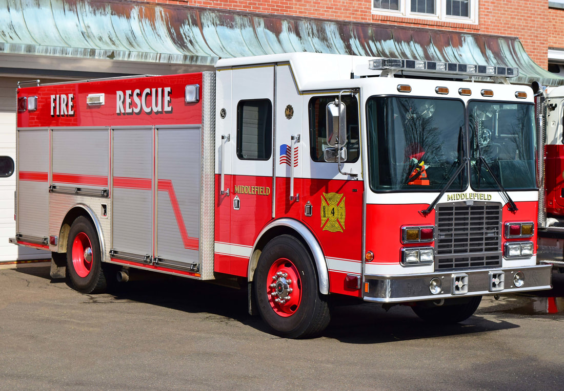 Middlefield's Rescue 4, a 2004 HME/ Gowans Knight.